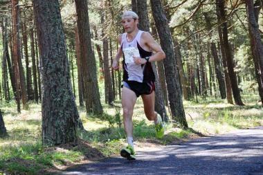 Nidos ultramaratone prizines vietas susižėrė svečiai