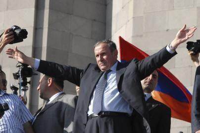 Armėnijos opozicija grasina protestais