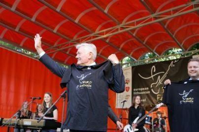 V.Adamkus atidarė roko festivalį Vokietijoje