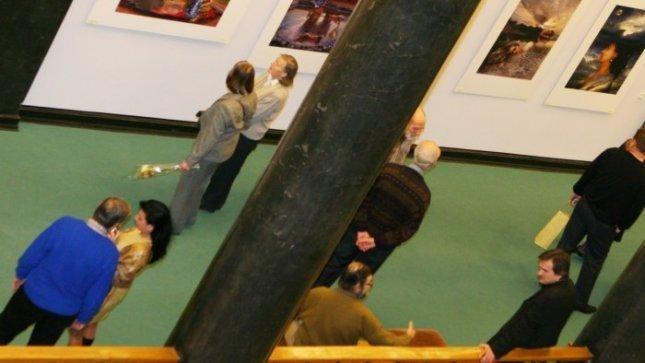 Meno galerijas aplenkia kalėdinis pirkimo bumas