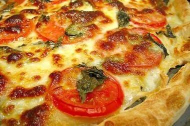 Lenkijoje iškepta ilgiausia pasaulyje pica