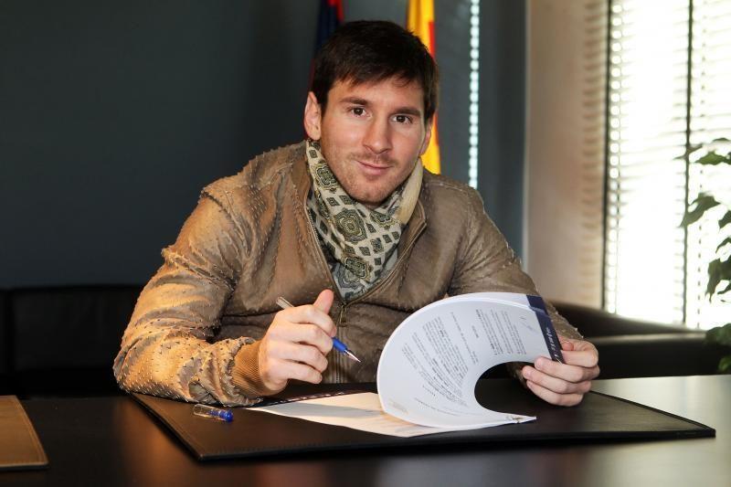 "L. Messi pratęsė sutartį su ""Barcelona"" iki 2018 metų"