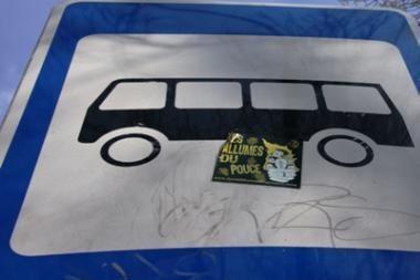 76 maršrutu pradėjo važiuoti maži autobusai