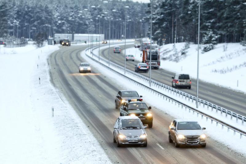 Eismą sunkina snygis, šiaurės rytų Lietuvose pusto