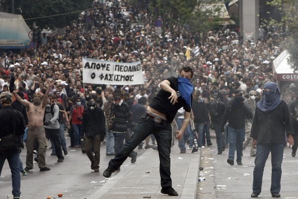 Graikiją vėl paralyžiuos streikas