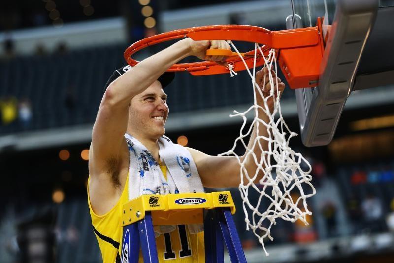 Lietuvių kilmės N. Stauskas atvedė komandą į NCAA finalo ketvertą!