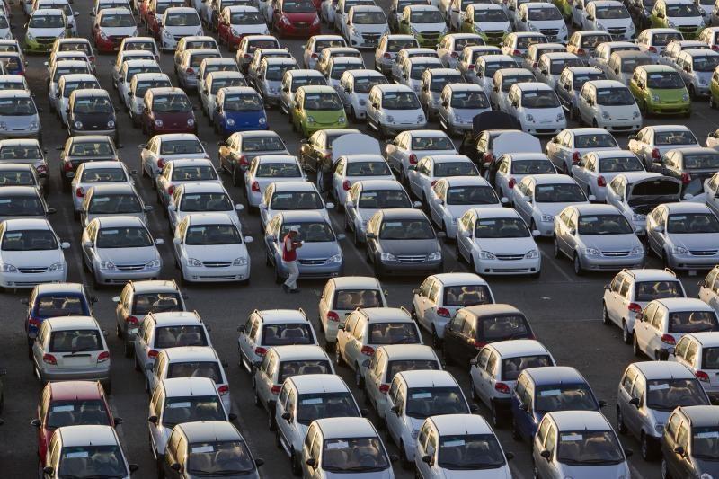 """""""General Motors"""" reitingas pakeltas iki investicinio lygio"""