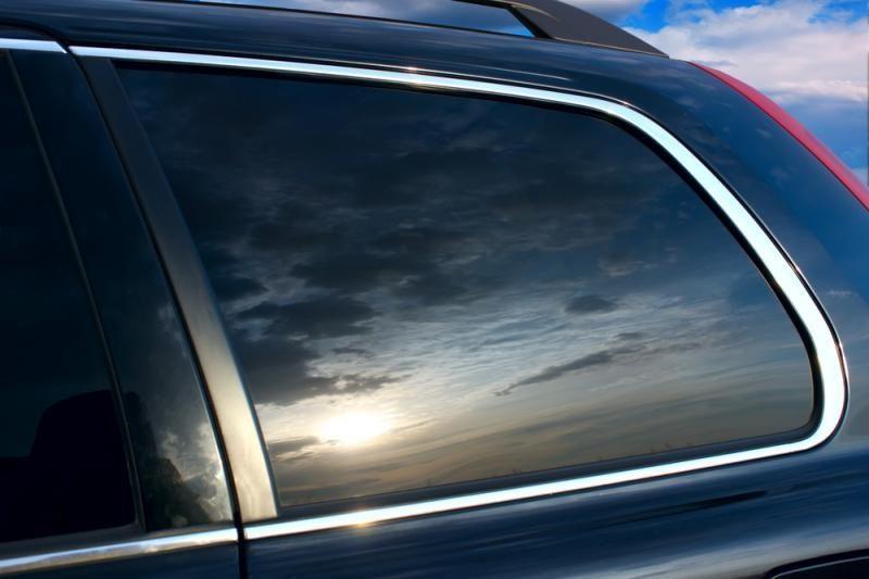 Ar reikia leisti tamsinti visus automobilio langus?