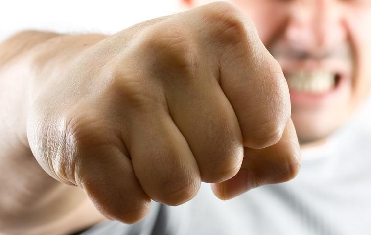 Klaipėdietis, pakėlęs ranką prieš žmoną, naktį praleido areštinėje