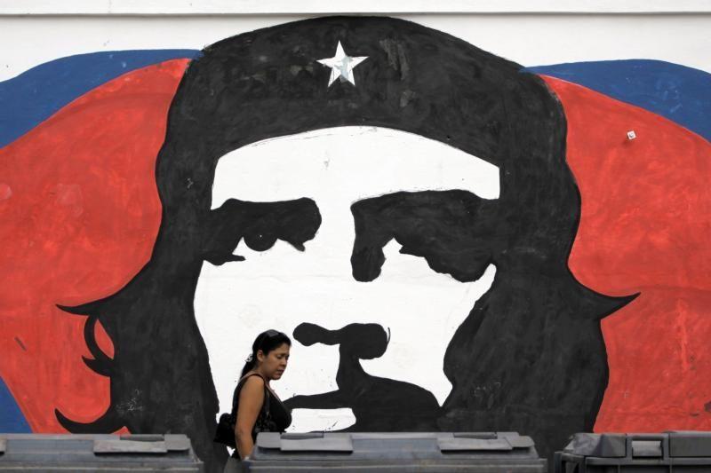 Lenkijos politiką papiktino cigaretės su Che Guevaros atvaizdu