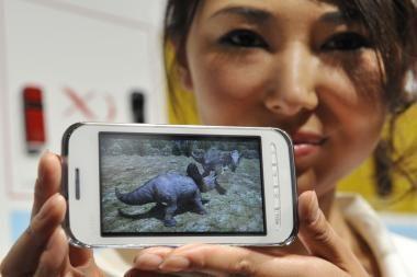 Išmaniųjų telefonų pardavimai pasaulyje trečiąjį ketvirtį pašoko 96 proc.