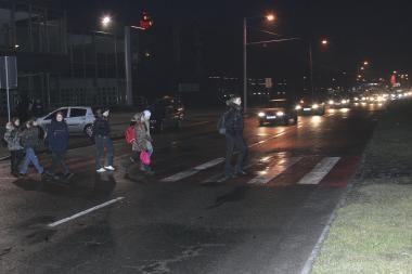Tamsiose gatvėse aukų sparčiai daugėja