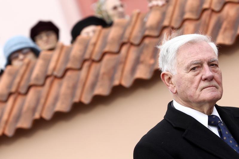 Po V.Adamkaus įsikišimo leista klausytis Baltarusijos agentų pokalbių