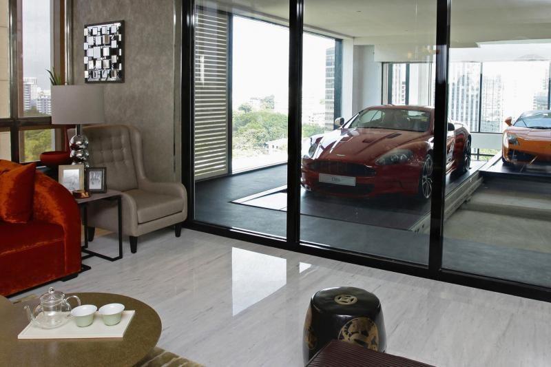 Turtuoliai sėsti į automobilį gali ir neišėję iš buto dangoraižyje