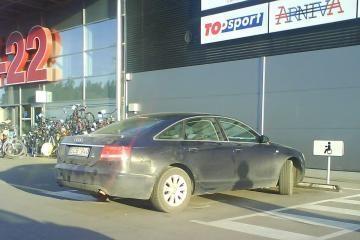 Vilniuje - specialios vietos neįgaliųjų automobiliams