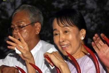 Mianmaro demokratijos lyderė paleista iš namų arešto