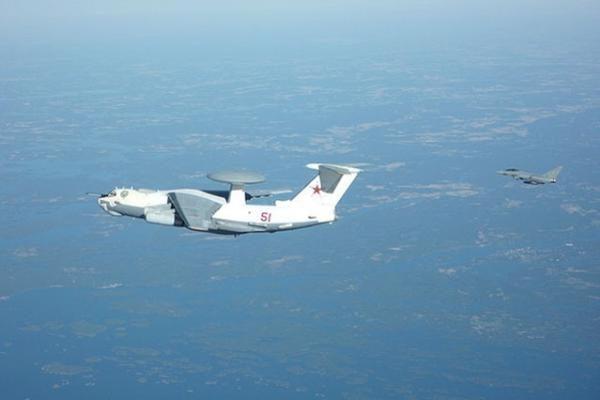 Graikija išparduos lėktuvus ir įmonių akcijas
