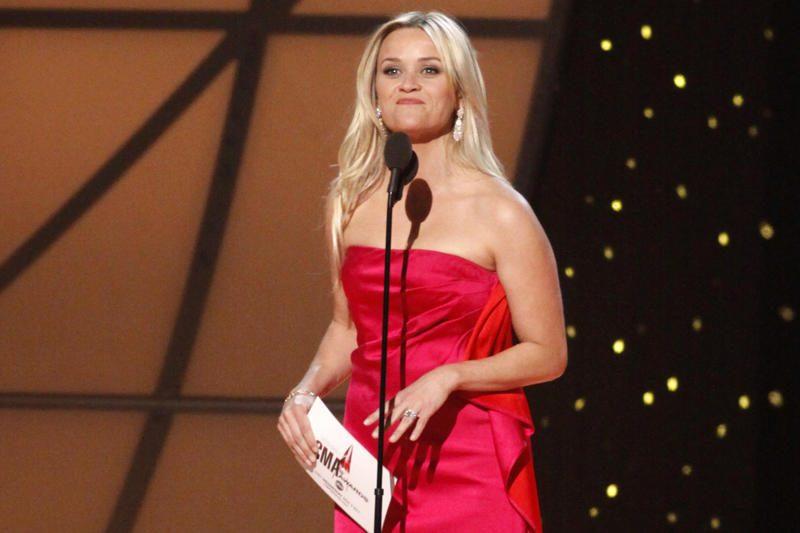 Reese Witherspoon prisipažino, kad laukiasi