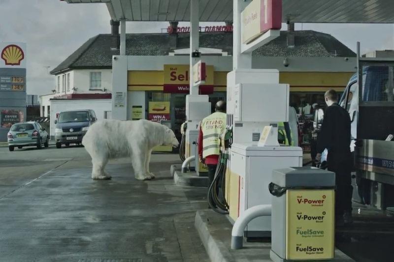 """Greenpeace"" Londone aptiko benamį baltąjį lokį"