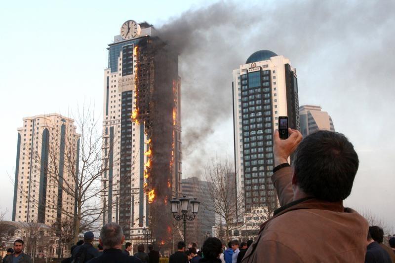 Rusijos prokurorai: dangoraižis Grozno centre buvo padegtas