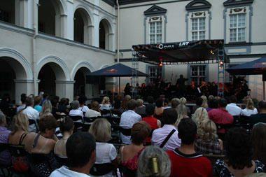 """M.Fedotovo koncertu baigėsi festivalis """"Muzika virš senamiesčio"""""""