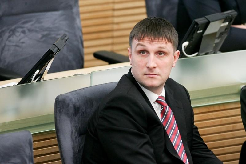 Karjeros posūkiai: eksparlamentaras A. Sacharukas tapo advokatu