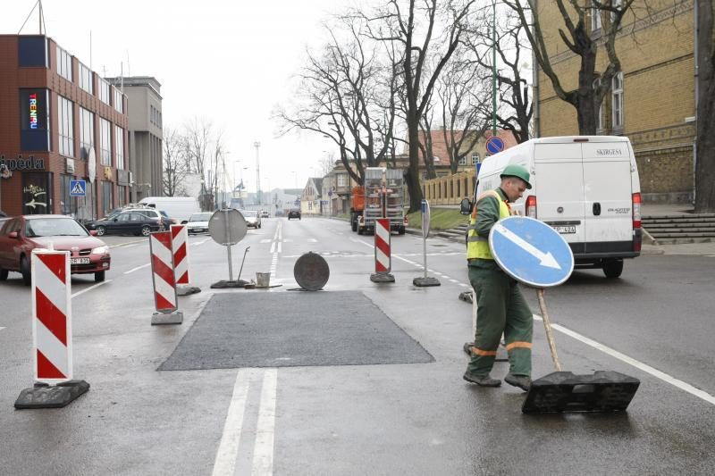 Seimas svarstys siūlymus didinti finansavimą vietinės reikšmės keliams