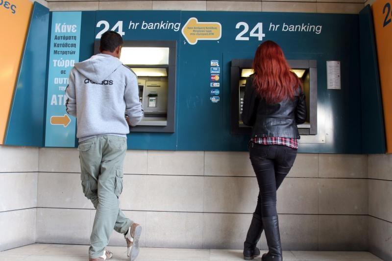 Kipro prezidentas desperatiškai bando užkirsti kelią bankų apgulčiai