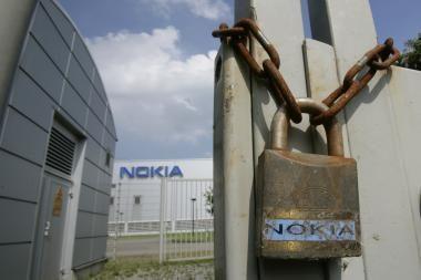 """""""Nokia"""" atsisakė parduotuvių JAV"""