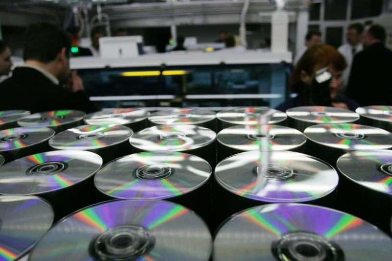 Už autorių teisių pažeidimus siūloma numatyti griežtesnes bausmes