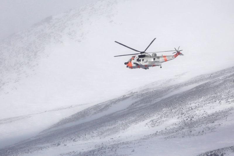 Gelbėtojai rado sudužusio karinio Norvegijos lėktuvo nuolaužas