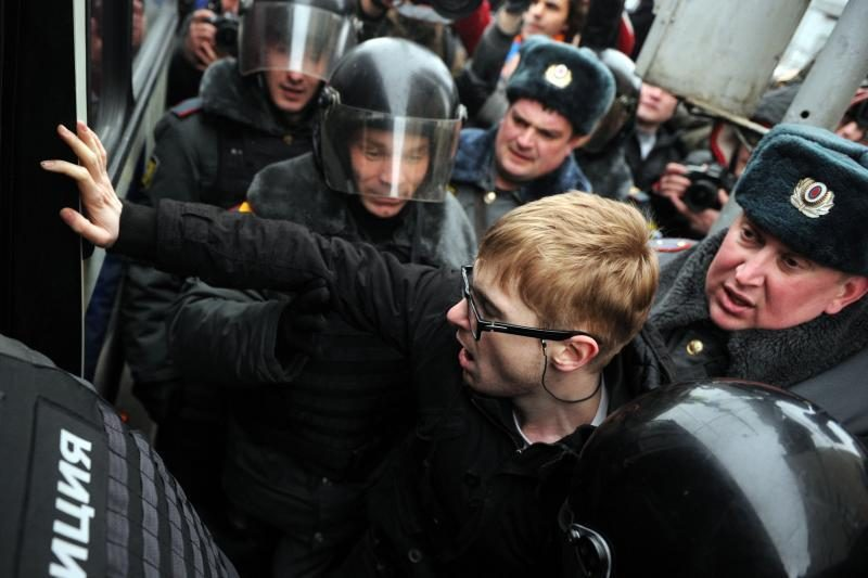 Rusijoje per susirinkimus policija areštavo aktyvistus