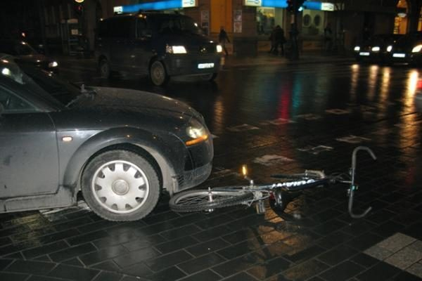 Vilniuje per 20 minučių sunkiai sužaloti du dviratininkai