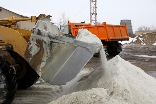 """Vilniuje jau išberta tiek druskos, kiek sveria 3 """"Boeing"""" lėktuvai"""