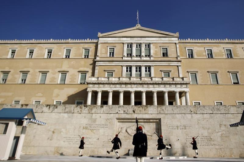 Graikijos laikinasis premjeras juokiasi iš savo pavardės