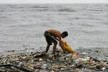 Filipinuose per taifūną nuskendo keltas (papildyta)