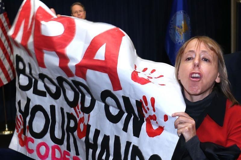 JAV lobistai siūlo: mokyklose turi budėti ginkluoti policininkai