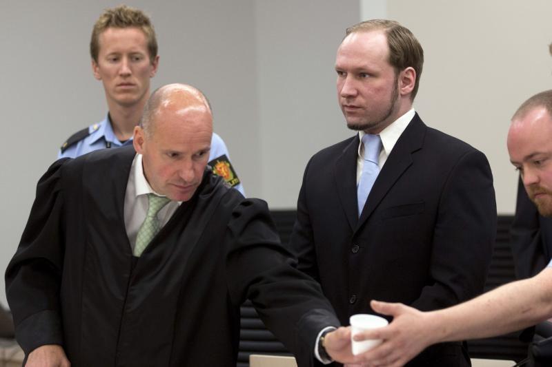 Gynyba prašo A.B.Breiviką išteisinti arba pripažinti pakaltinamu