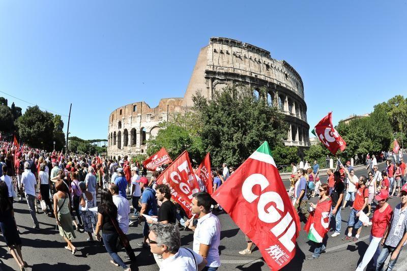 Italija atšaukia ambasadorių Italijoje dėl dviejų indų nužudymo
