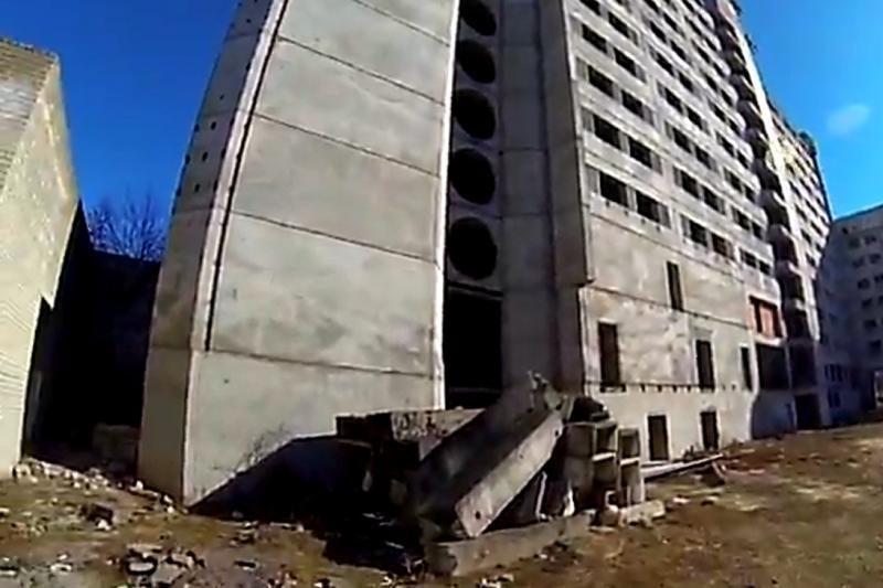 Kauniečiai su kamera klaidžioja po pastatus vaiduoklius