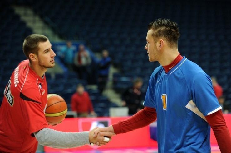 Geriausių NBA naujokų dešimtuke – ir J. Valančiūnas, ir D. Motiejūnas!