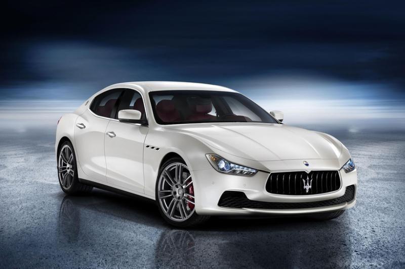 """""""Maserati Ghibli"""" – sedanas, varomas ir dyzeliniu varikliu (foto)"""