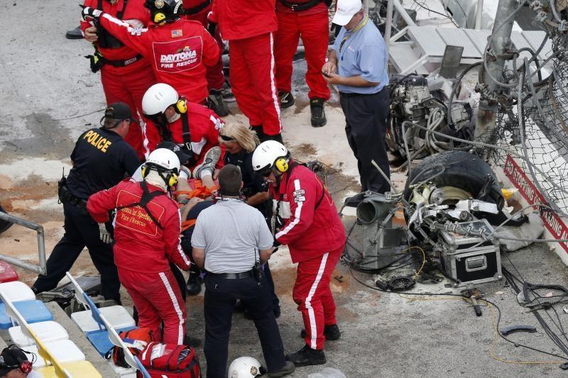 """NASCAR"" lenktynėse - kraupi          avarija (foto)"