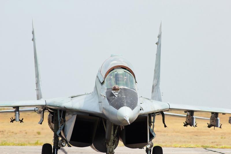 Sirijos sukilėliai skelbia numušę režimo karinį lėktuvą