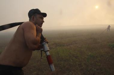 Rusijai padėti turėję išvykti Lietuvos ugniagesiai Vilniuje dar laukia vizų