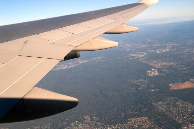 Mianmare tūpimo metu sudužo lėktuvas, yra žuvusiųjų