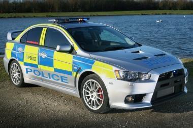 "Britų policija persėda į ""Mitsubishi Lancer Evolution"