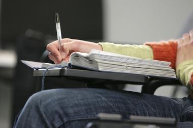 Pretenduoti į nemokamas vietas galės išlaikiusieji 3 egzaminus
