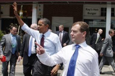 Rusijos prezidentas D. Medvedevas giria B. Obamą dėl START sutarties