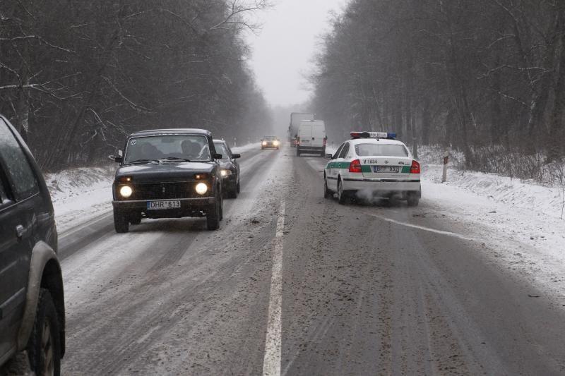 Vilniuje po ratais žuvo keliu ėjęs jaunas vyras